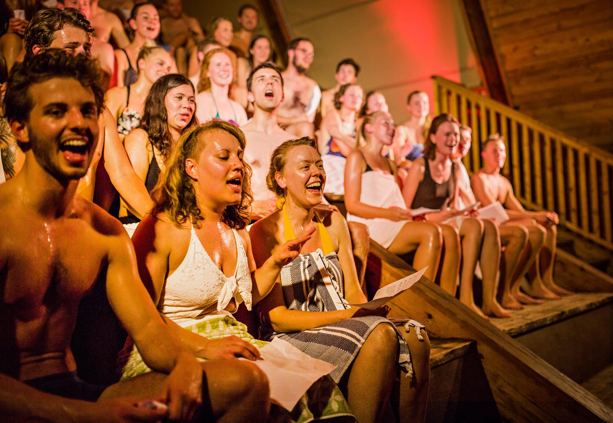 Allsang i sauna 1